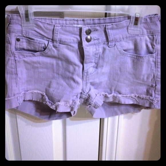 F21 Lavender jean shorts Forever 21 lavender Jean shorts. Cuffed and super cute! I love these shorts but they no longer fit me like they used to :( ️️friendly❌no trades❌ Forever 21 Shorts Jean Shorts