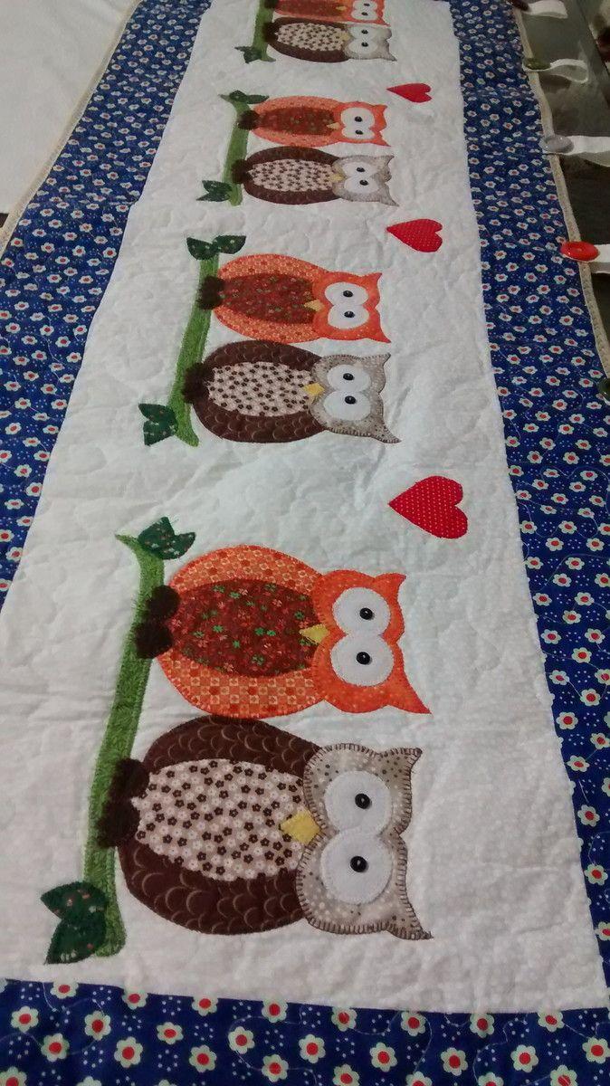 Bandô para cortina tema Corujinhas. Feito em patchwork, tecido 100% algodão, quiltada. A cortina e prendedor de coruja são peças a parte.