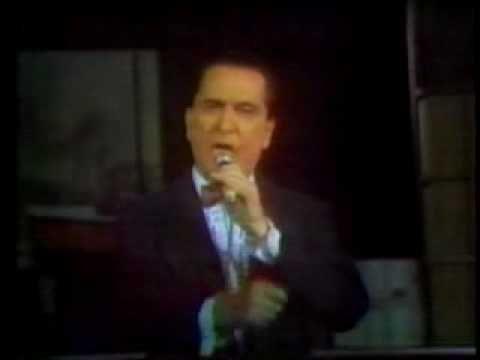 """Uno"" por Hugo del Carril  Tango 1943  Música: Mariano Mores  Letra: Enrique Santos Discepolo"