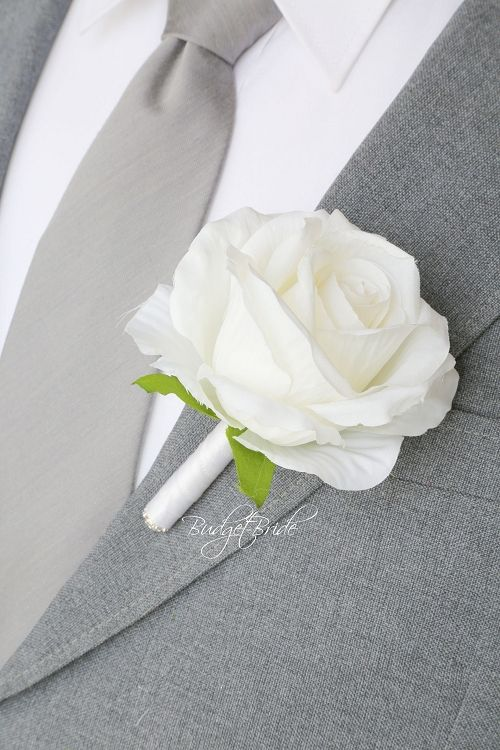 Simple Groom wedding boutonniere ideas for ushers, groomsmen and fathers buttonholes, flowers to match Davids bridal colors, silk flowers