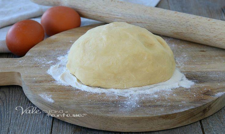 PASTA FROLLA PERFETTA SALATA ricetta base facile e veloce, ottima per realizzare biscotti,crostate, tartellette e crostatine salate