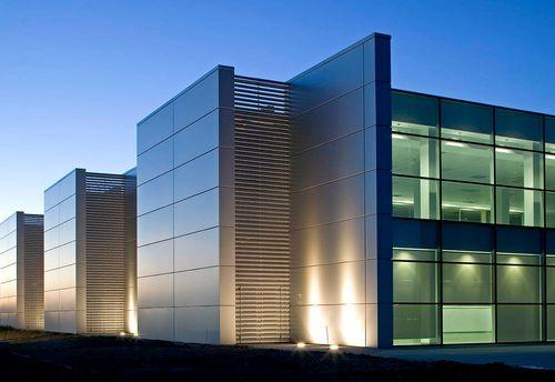 Les 25 meilleures id es de la cat gorie bardage aluminium for Maison container 64