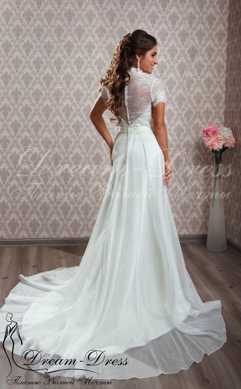 Elena / Прямое свадебное платье с шифоновой юбкой. В наличии изделие в цвете айвори, размер 42-44-46, на спине молния. На заказ возможен любой цвет и размер.