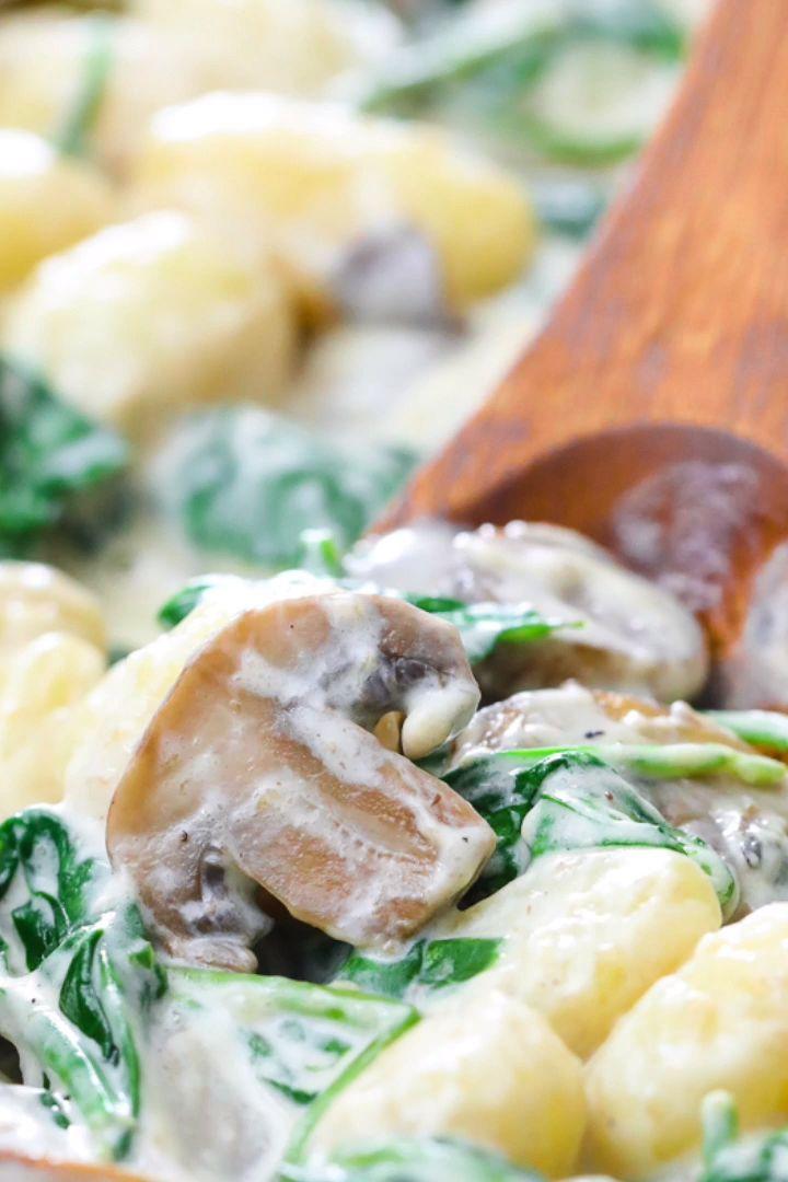 Creamy Mushroom & Spinach Gnocchi