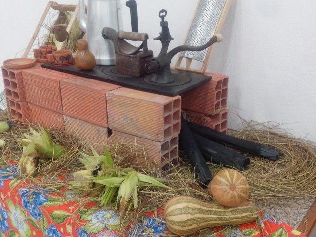 Decoração festa do milho na igreja.