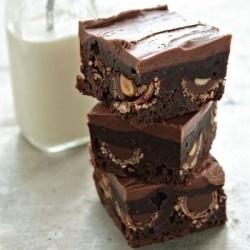 Ferreo Rocher Brownies http://www.mybakingaddiction.com/nutella-brownies/
