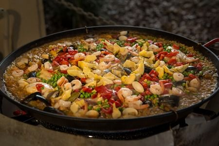 Trust on us and we deliver one of the best catering services for your parties. Our offer for Paella Catering is one of the best in Chicagoland. Try us and you will be joyous!