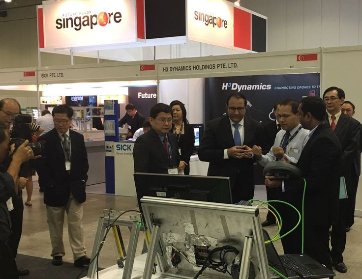 Mr S Iswaran, Hon'ble Minister for Trade & Industry, Government of Singapore visited DesignTech Technologies booth space at Singapore International ROBO Expo 2016 #SIRE2016 #DesignTechSys