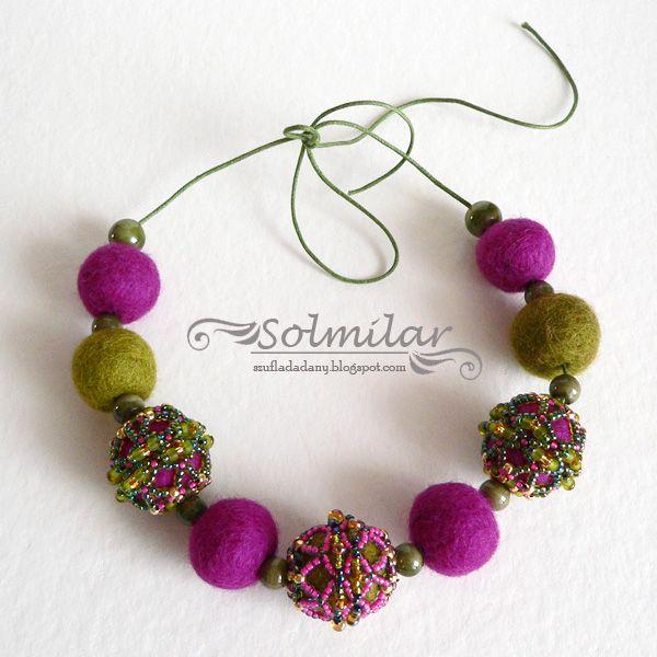 szufladadany.blogspot.com  korale z filcu i koralików Toho beading