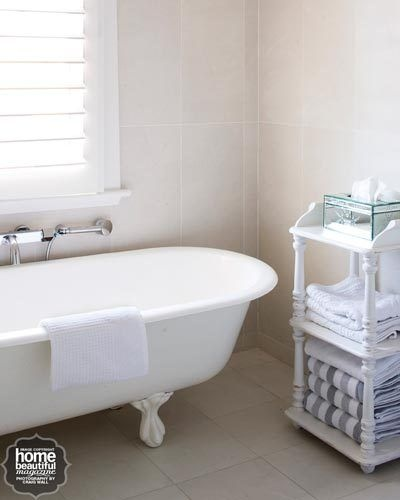 This bathtub was an original Royal Doulton left behind by the home's previous owners. The new owners gave it a new lease of life by having it re-enamelled.