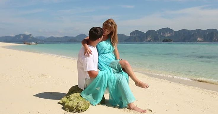 Looking for a tourist destination to have unlimited romance along with your loved one? If so, the Andaman and Nicobar Islands, which is earnestly nicknamed the 'mini India', or the 'Emerald Isles', is just for you.