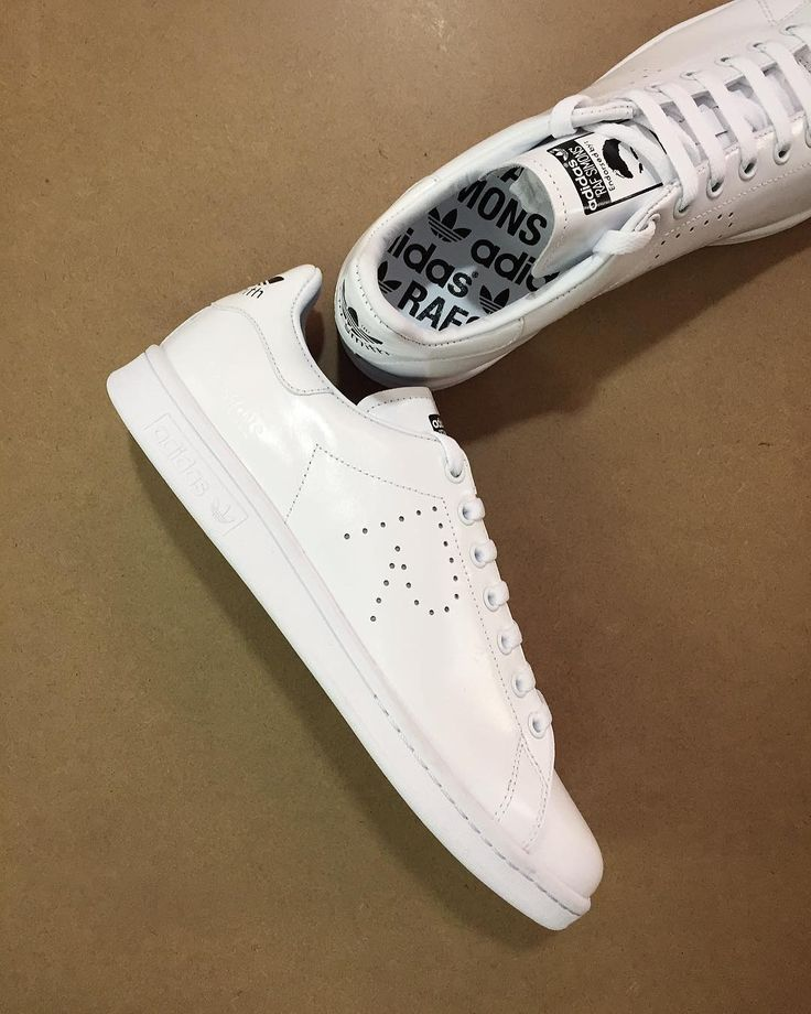 adidas x Raf Simons Stan Smith: in store and online  #adidas #rafsimons #rafsimonsxadidas #R #luxury #luxuryfashion #stansmith #stans #triplewhite #allwhite #sneakers #sneakerhead #igsneakers #igsneakercommunity #feetheat # #ss17 #philipbrownemenswear