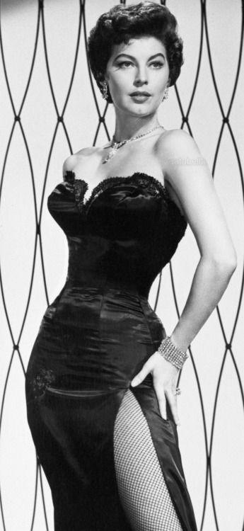 Ava Gardner en 1953                                                                                                                                                     Más