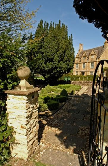 Nostalgia for the English countryside - Cotswolds Manor, Shipston on Stour, England