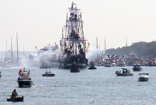 Jose Gaspar's pirate ship heads into Tampa for the invasion. #Gasparilla