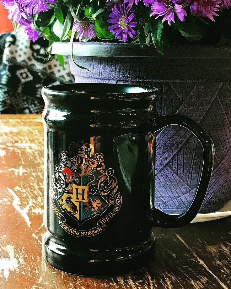 Favourite Hogwarts Mug :  Favourite Skull Sweater :  Fall flowers in favourite colour : Happy September 1st everyone! Have a fabulous long weekend!