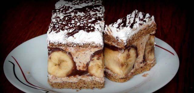 Božské gaštanové rezy s banánovým prekvapením  Recept zde : http://www.napadynavody.sk/bozske-gastanove-rezy-s-bananovym-prekvapenim-p447
