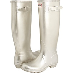 i WANT silver rainboots. they only have size 5 at nordstrom though :(
