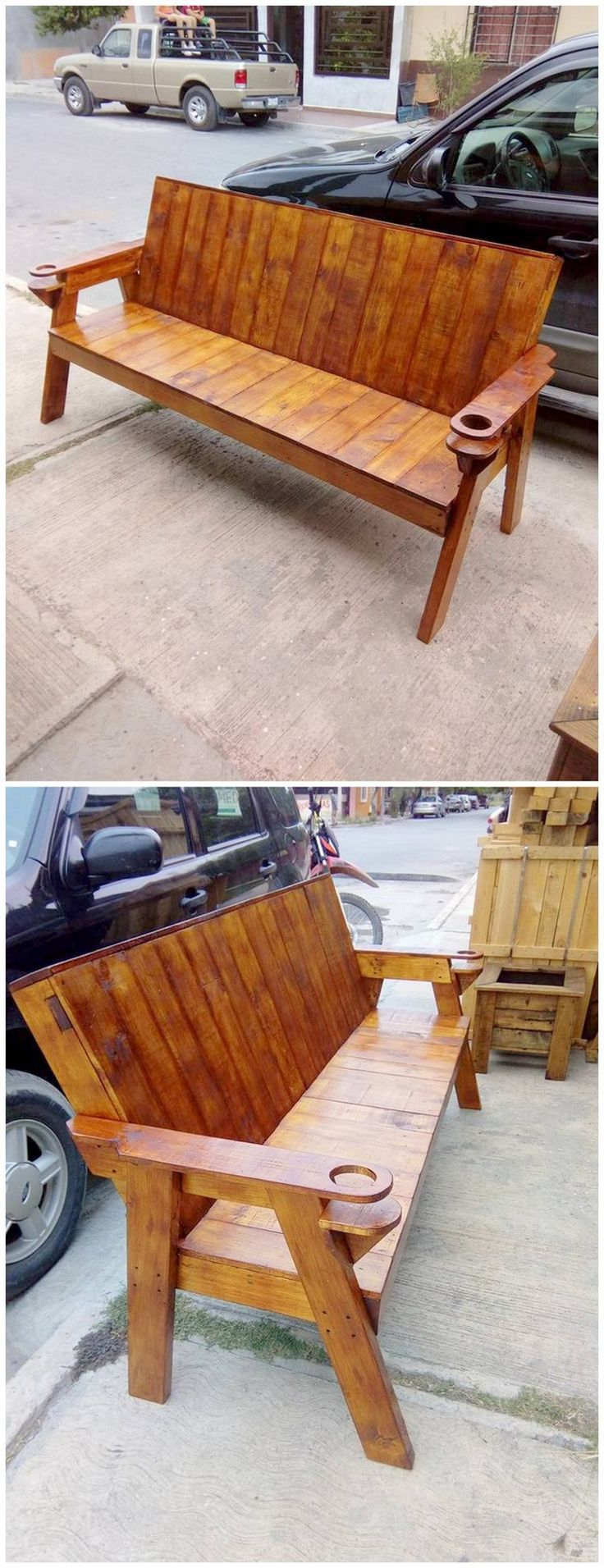 Check out this outstanding wood pallet bench