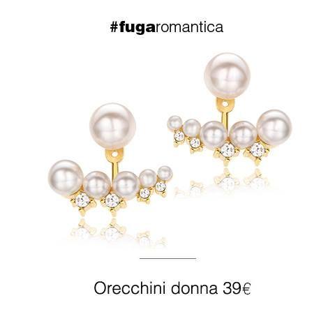 Orecchini Front Back con bagno in oro giallo, cristalli bianchi e perle sintetiche Luca Barra Gioielli. #orecchinifrontback #lucabarra #jewels #woman #newcollection