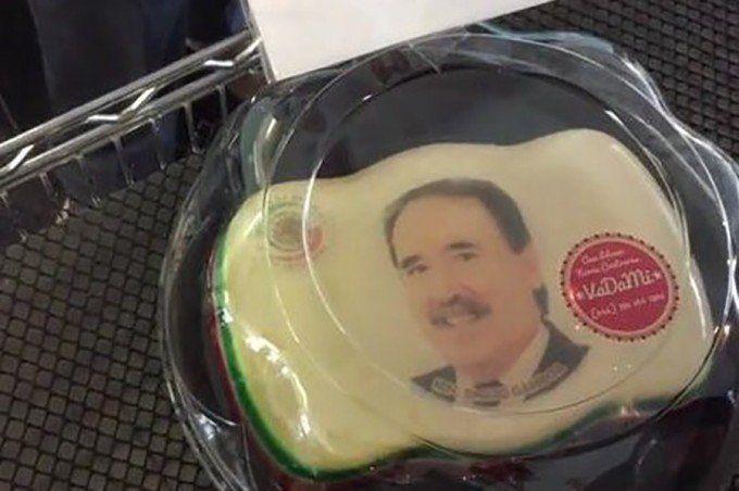 Legisladores mexicanos destinaron dinero para elaborar gelatinas con sus caras que fueron repartidas entre funcionarios del PRI.