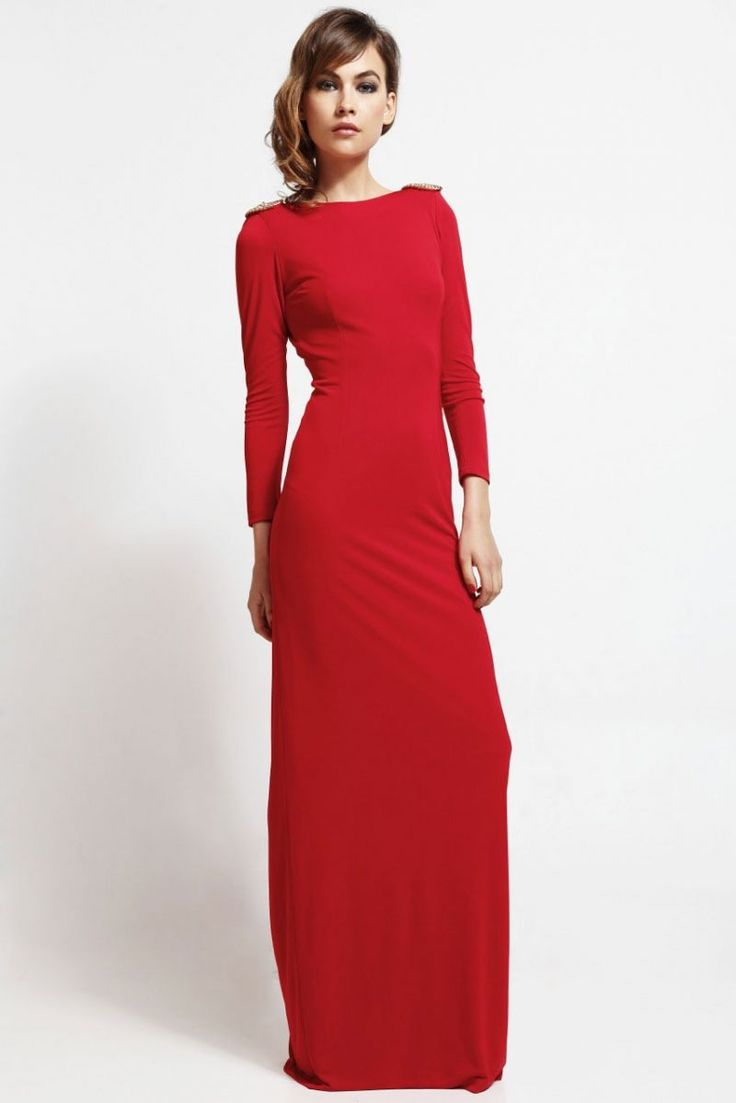 vestido largo de fiesta rojo con cadena para boda y nochevieja