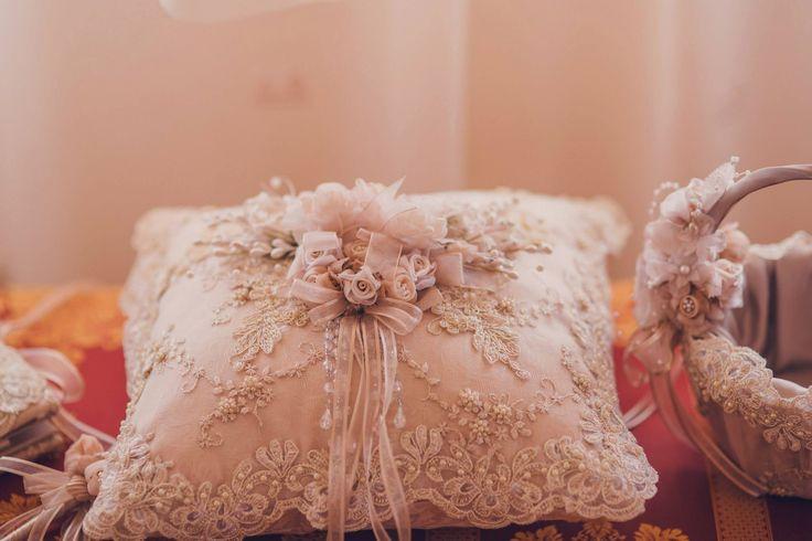 Romantic Victorian Wedding Wedding Accessories Ring Pillow Photo Credits: Vlad Gherman Photography