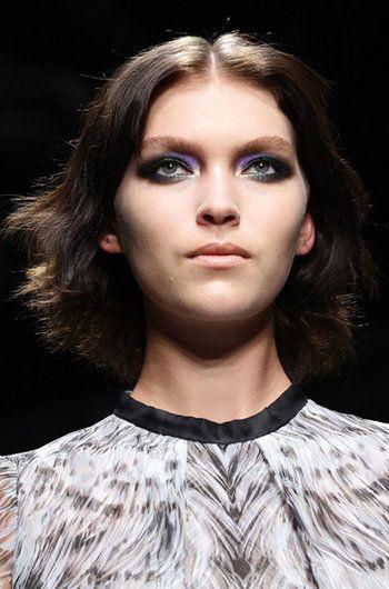 Unos ojos que deslumbran, verde con un toque morado