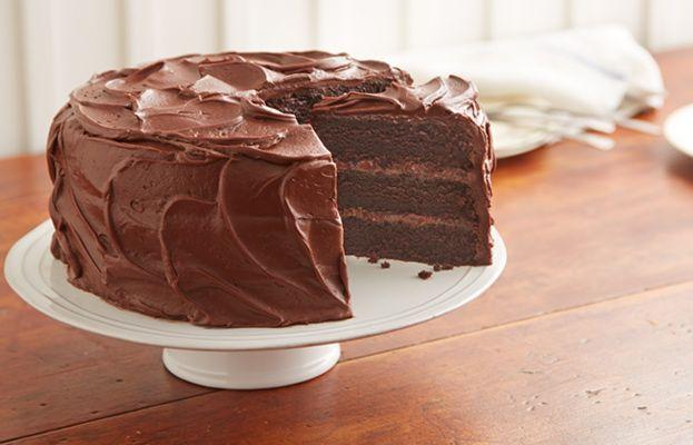 Obtenez cette délicieuse Recette de Gâteau au chocolat HERSHEY'S « super chocolaté » et partagez-la avec votre famille et vos amis de Cuisine HERSHEYS.ca!