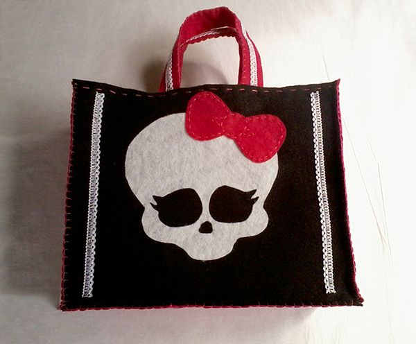 Bolsa pronta Em feltroBolsas Monsters, Monster High, High Life, Bolsas Prontas, Bolsas Para Halloween, High Birthday, Blog Da, Monsters High