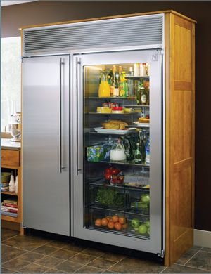 custom refridgetor | Sometimes extra large kitchens need extra large refrigerators.
