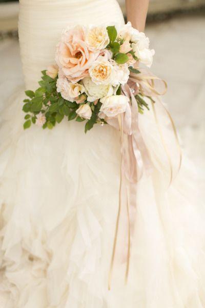 Pretty peony #bouquet. Photography: Allyson Magda - www.allysonmagda.com