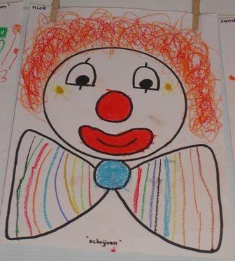 Schrijfoefeningen Op circus-muziek de clown a.h.v schrijfbewegingen afmaken (het haar - krullen, de strik - strepen maken)