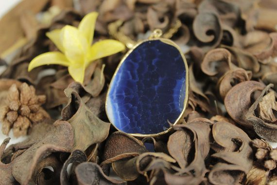 Agate slice necklace Gold and agate necklace Crystal by NoaZen