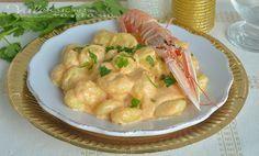 Gnocchi alla crema di scampi ricetta facile , un primo piatto della vigilia buono e delicato, facilissimo e veloce da preparare, ideale anche per Capodanno