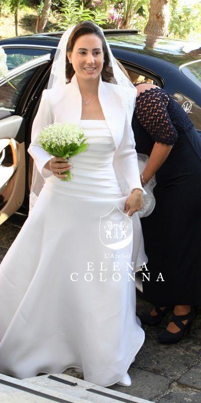Moda sposa Napoli. Bon ton e raffinatezza per un abito da sposa sartoriale de L'Atelier Elena Colonna dall'eleganza senza tempo.   Elena Colonna Atelier