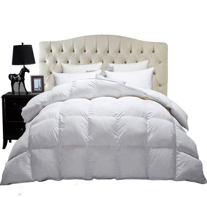 Reviewers Say This 30 Duvet On Amazon Is The Perfect All Season Blanket Down Comforter Down Comforter Bedding Duvet
