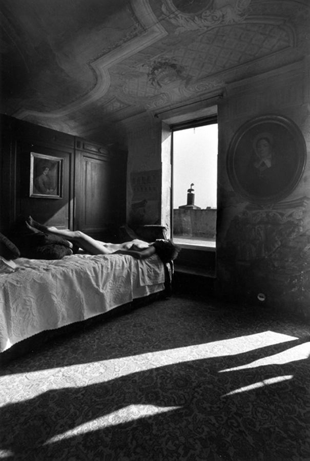 Lucien Clergue – Deux nus dans la Chambre du Palais, Venise, 1979