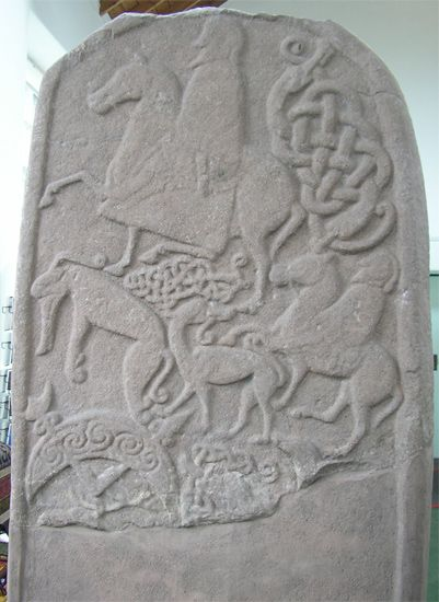 Pictish symbol stones  The Picts were master craftspeople. They created many intricately carved symbol stones. People at the time would have understood the symbols and figures carved on the stones. Their meanings have been lost over the centuries. Today there is much debate about the meaning of some Pictish symbols.  Early symbol stones were rough,