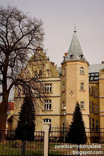 ZABYTKOWY DOLNY ŚLĄSK: OSTROWINA - Pałac rodziny von Twickel.