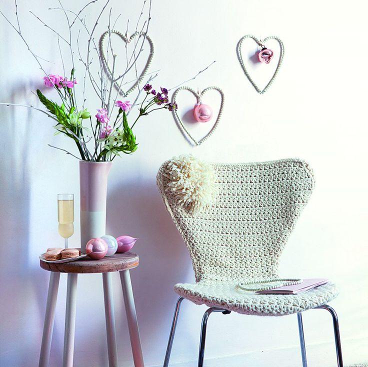 Best une housse de chaise au crochet et orne duun pompon with chaise pliante camping la foir fouille - Table de jardin la foir fouille ...