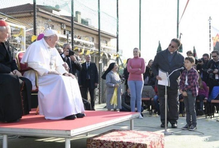 «J'aime faire le prêtre», a expliqué le pape François aux enfants de la paroisse Sante Maddalena di Canossa où il s'est rendu le dimanche 12 mars 2017. Il a répondu aux questions des enfants, des adolescents du catéchisme, des jeunes d'après la confirmation et des scouts. Qu'est-ce que le pape pe