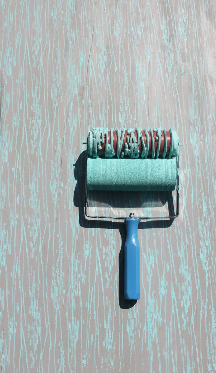 Wood Grain Patterned Paint Roller and Applicator Set from