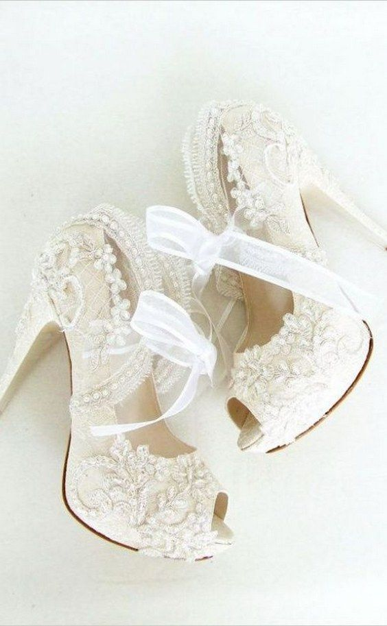 ivory lace wedding shoes / http://www.himisspuff.com/pretty-wedding-shoes/6/
