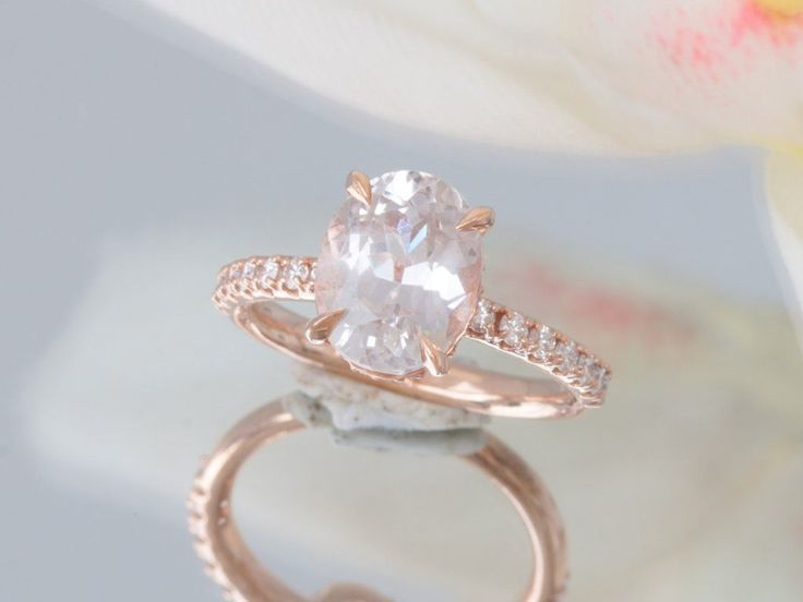 Peach Sapphire Rose Gold Engagement Ring with 3.77ct Natural Sapphire #Blake_lively_ring #Champagne_rose_gold #Champagne_sapphire #DazzlingDiamondEngagementRings