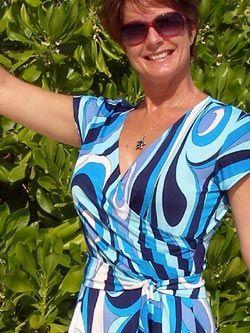 Wrap dress free sewing pattern ( 4sizes small to extra large) - patron gratuit robe portfeuille (4 tailles de S à XL)