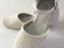 Polish first-communion shoes by Mumciuch.pl. Products with love