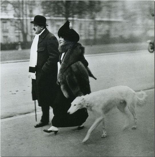Donio, Dresseur du Chien 1946 by Robert Doisneau