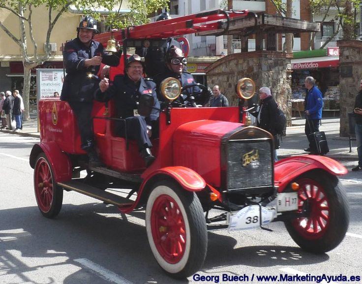 58ª Edición del Rally Internacional de Coches de Época Barcelona - Sitges en su paso hoy por #Castelldefels