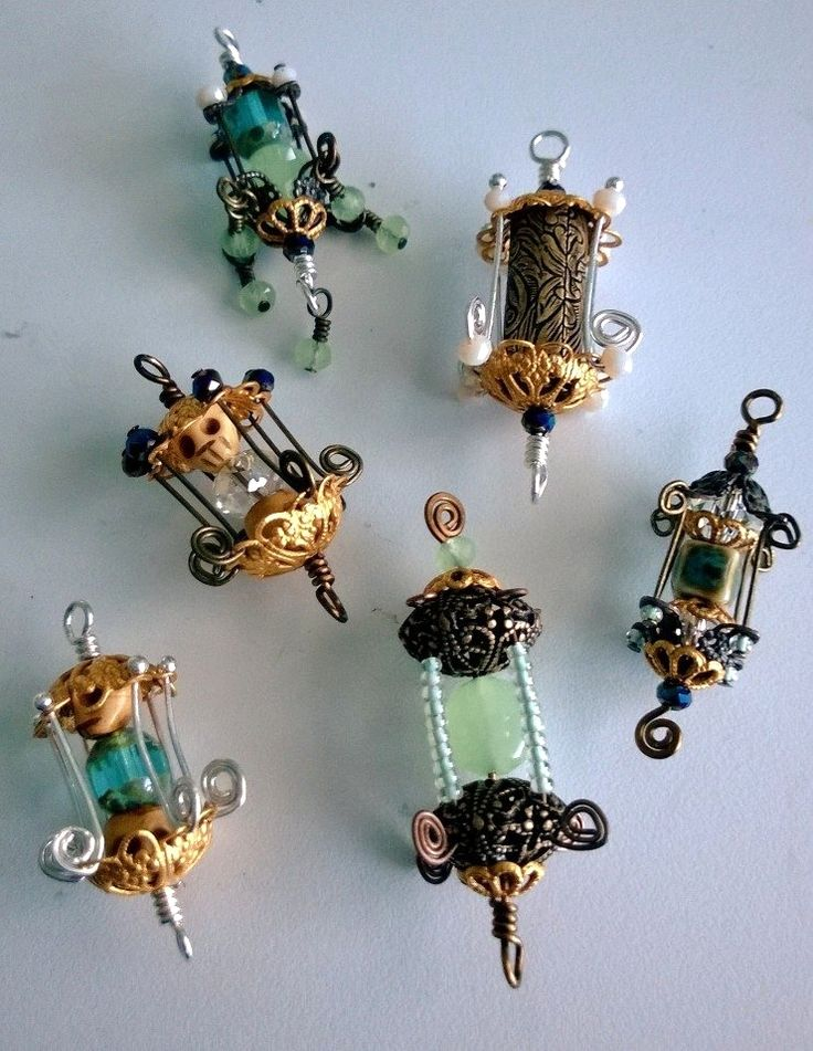 Funky little lanterns... Beads and jewelry findings.. Free tutorial!